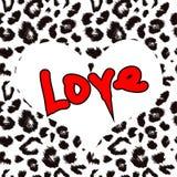 Herz mit Leoparddruck-Beschaffenheitsmuster Stockfoto