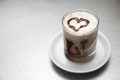 Herz mit Schokolade Stockfotografie