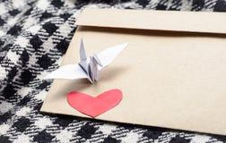 Herz- und Papiervogel Lizenzfreie Stockfotografie