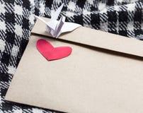 Herz- und Papiervogel Lizenzfreies Stockbild