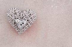 Herz zwei auf dem wall& x28; Valentine& x27; s-day& x29; lizenzfreies stockbild