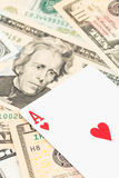 Herzasse auf Dollarbanknote Lizenzfreies Stockfoto