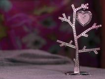 Herzbaum auf dem netten unscharfen Hintergrund Lizenzfreies Stockfoto