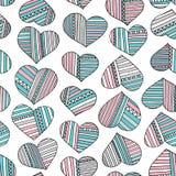 Herzen und gezeichnetes abstraktes Muster der Streifen Hand Nahtloser Hintergrund der bunten Liebe des Vektors Stockfoto