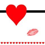 Herzen und Lippenstiftkusspostkarte Lizenzfreie Stockbilder