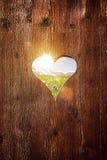 Herzform auf altem Holz lizenzfreie stockfotos