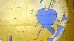 Herzform am Boden lizenzfreie stockbilder