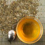 Herzform topview des grünen Tees stockfoto