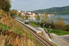 Herzhausen στο Edersee με τον εθνικό σταθμό πάρκων στοκ φωτογραφία με δικαίωμα ελεύθερης χρήσης