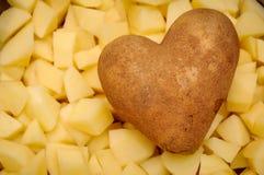 Herzkartoffel lizenzfreie stockbilder