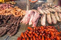 Herzlicher spanischer Grill Stockfotos