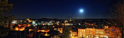 Herzogenrath på natten Arkivbilder