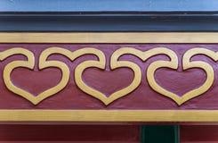 Herzsymbole auf Dachtragprofil am Sommer-Palast Peking Stockbilder