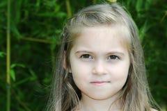 Het aanbiddelijke meisje glimlachen Royalty-vrije Stock Afbeelding