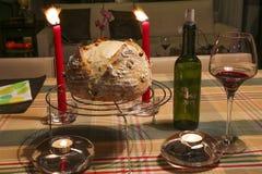 Het aanbieden aan brood en wijn stock afbeeldingen