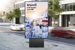 het aanplakbord van de reisreclame op stadsstraat Royalty-vrije Stock Foto