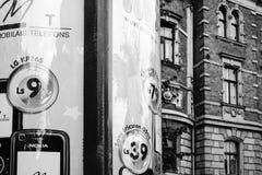 Het aanplakbord van de straatreclame in Riga Stock Foto