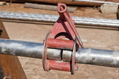 Het aansluiten bij zich van pijpen van roestvrij staal met centralisator Royalty-vrije Stock Foto's