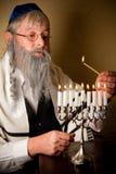 Het aansteken van menorah Royalty-vrije Stock Afbeelding
