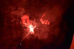 Het aansteken van het vuurwerk Royalty-vrije Stock Foto's
