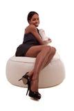 Het aantrekkelijke jonge Afrikaanse Amerikaanse vrouw glimlachen Royalty-vrije Stock Foto