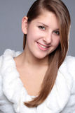 Het aantrekkelijke jonge meisje van het de winterportret royalty-vrije stock afbeeldingen