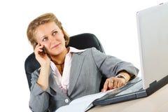 Het aantrekkelijke onderneemster telefoneren Stock Afbeelding