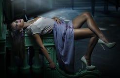 Het aantrekkelijke vrouw stellen Royalty-vrije Stock Foto