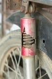 Het absorptievat roestige barst van het motorfietsblok royalty-vrije stock foto