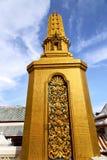 Het abstracte dwarsl goud van Thailand Bangkok in de tempel Royalty-vrije Stock Afbeeldingen