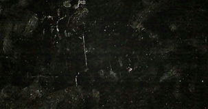 Het abstracte grunge zwart-witte realistische trillen als achtergrond, analoog uitstekend TV-signaal met slechte interferentie vector illustratie
