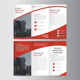 Het abstracte rode van de de Brochurevlieger van het trifoldpamflet het malplaatjeontwerp, de lay-outontwerp van de boekdekking,  Royalty-vrije Stock Fotografie