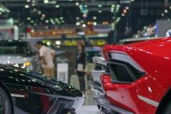 De luchtkoker en het wiel van de gezoemsportwagen in auto tonen gebeurtenis stock foto - Geloofsbrieven ontwerp ...