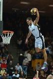 Het acrobatische basketbal toont Stock Afbeeldingen
