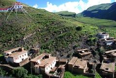 Het adobedorp in Tibet Stock Afbeeldingen