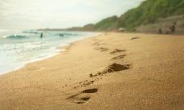 Het af:drukken van de voet in Zand Royalty-vrije Stock Fotografie