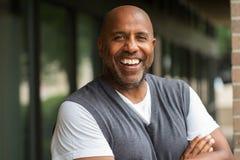 Het Afrikaanse Amerikaanse Mens Glimlachen Royalty-vrije Stock Foto