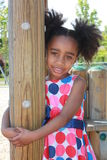 Het Afrikaanse meisje Ameican spelen Stock Fotografie