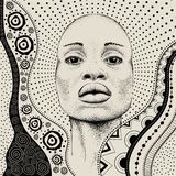 Het Afrikaanse Meisje met Afrikaanse hand trekt ethnopatroon, stammenachtergrond Mooie zwarte De mening van het profiel Vector il Stock Afbeelding