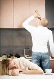 Het alcoholisme van het huishouden Stock Fotografie