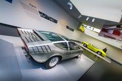 Het alpha- model van Romeo Italdesign Iguana op vertoning bij het Historische Museum Alfa Romeo stock foto's