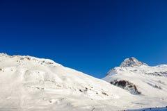 Het alpiene landschap van de de winterberg Franse Alpen met sneeuw Royalty-vrije Stock Foto
