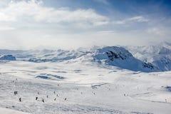 Het alpiene landschap van de de winterberg Franse Alpen met sneeuw Royalty-vrije Stock Foto's