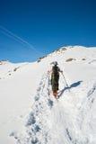 Het alpiene ski reizen naar de top stock foto