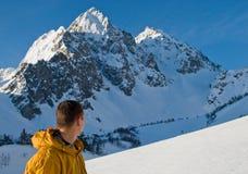 Het alpinisme in hoogte zet op Royalty-vrije Stock Afbeeldingen
