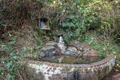 Het Altaar en de Fontein van Nossasenhora Aparecida bij de Zwarte & x28 van Lago; Zwarte Lake& x29; - Gramado, Rio Grande doet Su Stock Fotografie