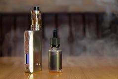 Het alternatieve elektronische roken Stock Afbeeldingen