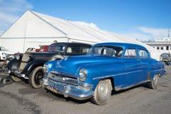 Het Amerikaanse modeljaar van ware groottechrysler Windsor 1954 bij de tentoonstelling van uitstekende auto's fortuin-2016 Stock Afbeeldingen