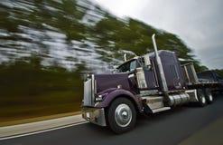 Het Amerikaanse onduidelijke beeld van de vrachtwagenmotie Stock Afbeeldingen