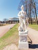 Het Amphitrite-standbeeld in Catherine Park in Tsarskoye Selo Stock Fotografie